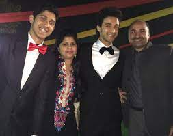 Raghav Juyal parents father mother brother